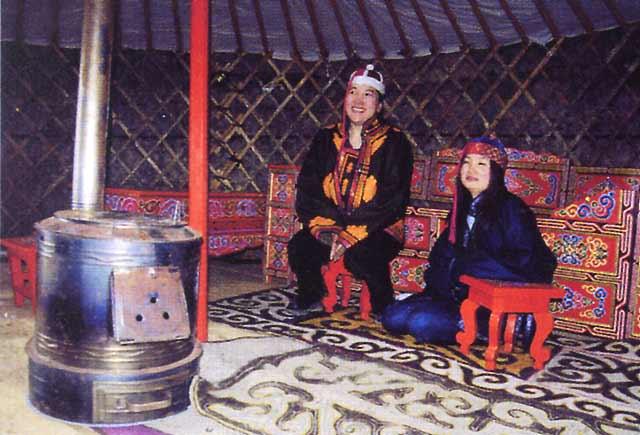 acheter une yourte fabriqu e en mongolie par des artisans traditionnels perp tuant un art. Black Bedroom Furniture Sets. Home Design Ideas